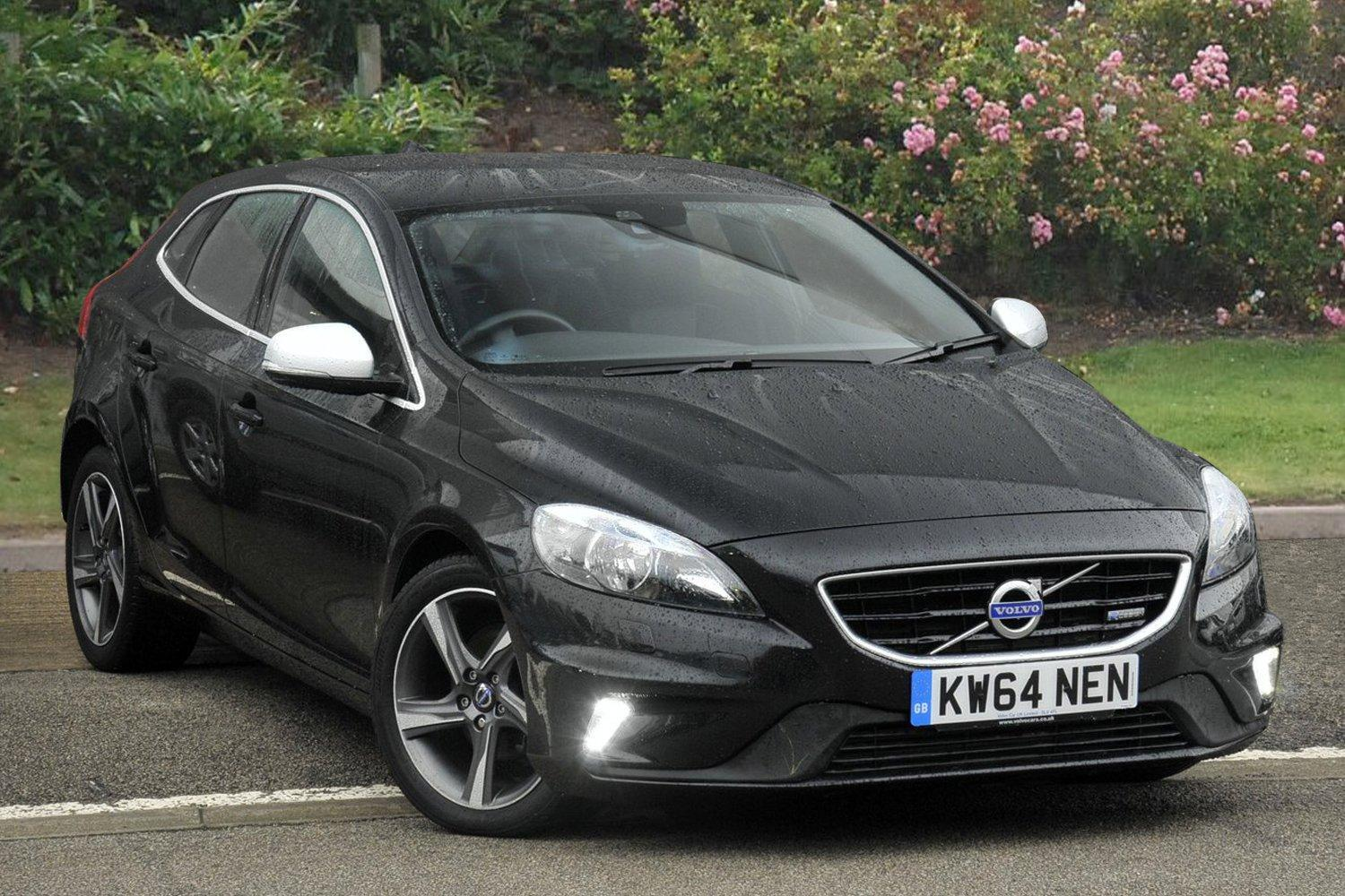 used volvo v40 d2 r design nav 5dr diesel hatchback for sale newcastle infiniti. Black Bedroom Furniture Sets. Home Design Ideas