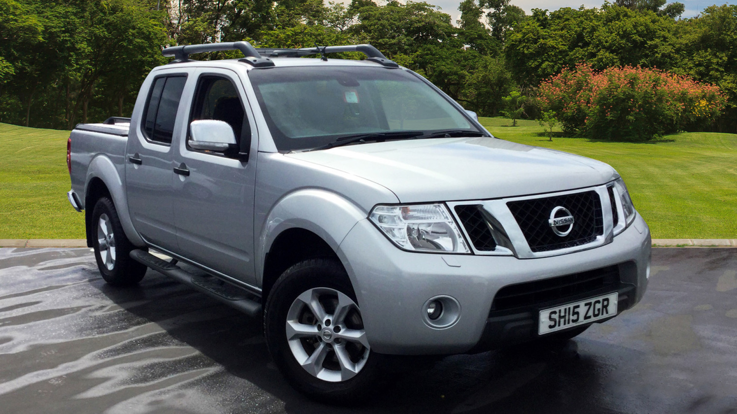 used nissan navara diesel double cab pick up tekna 2 5dci 190 4wd auto for sale newcastle infiniti. Black Bedroom Furniture Sets. Home Design Ideas