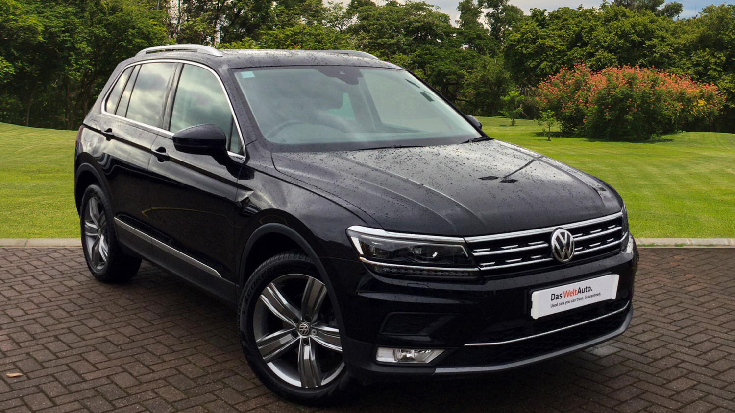 used volkswagen tiguan 2 0 tdi bmt 150 sel 5dr diesel. Black Bedroom Furniture Sets. Home Design Ideas
