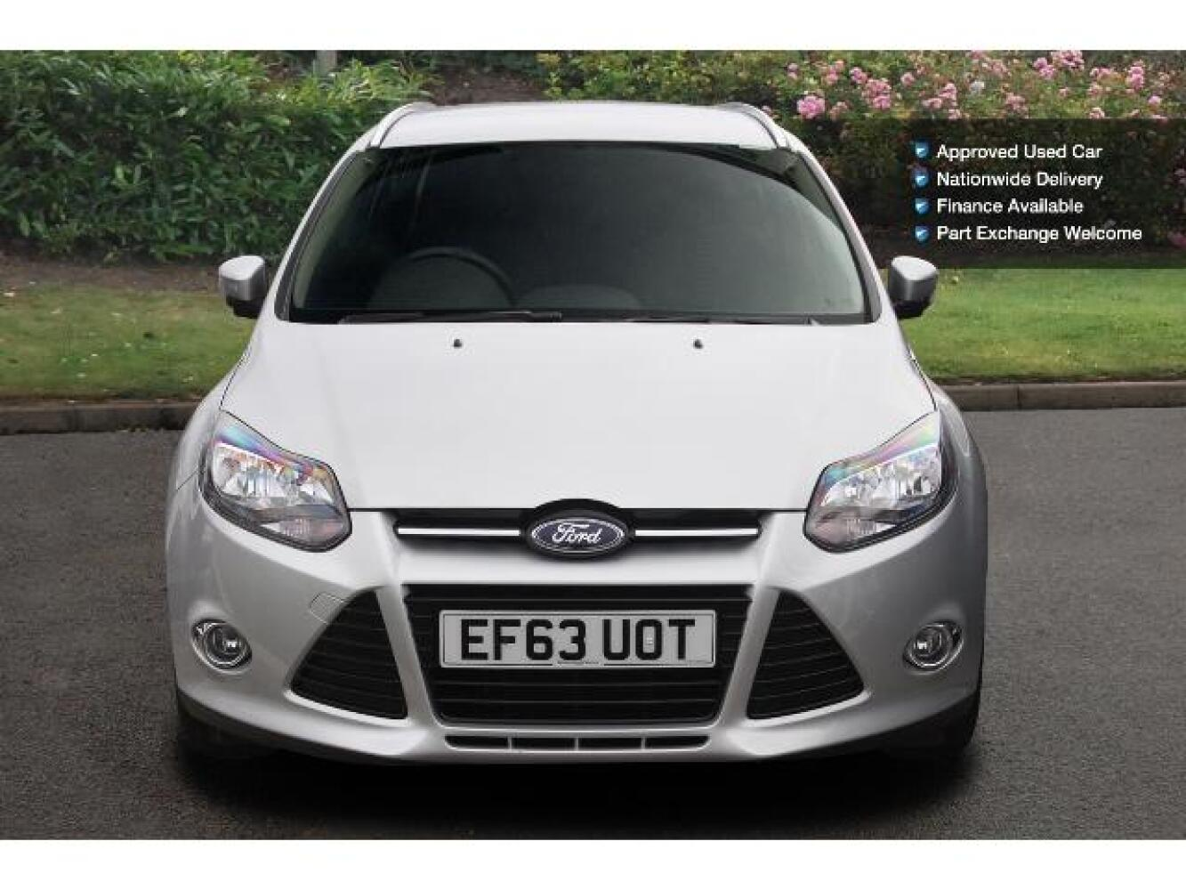 used ford focus 1 6 tdci 115 titanium navigator 5dr diesel estate for sale newcastle infiniti. Black Bedroom Furniture Sets. Home Design Ideas