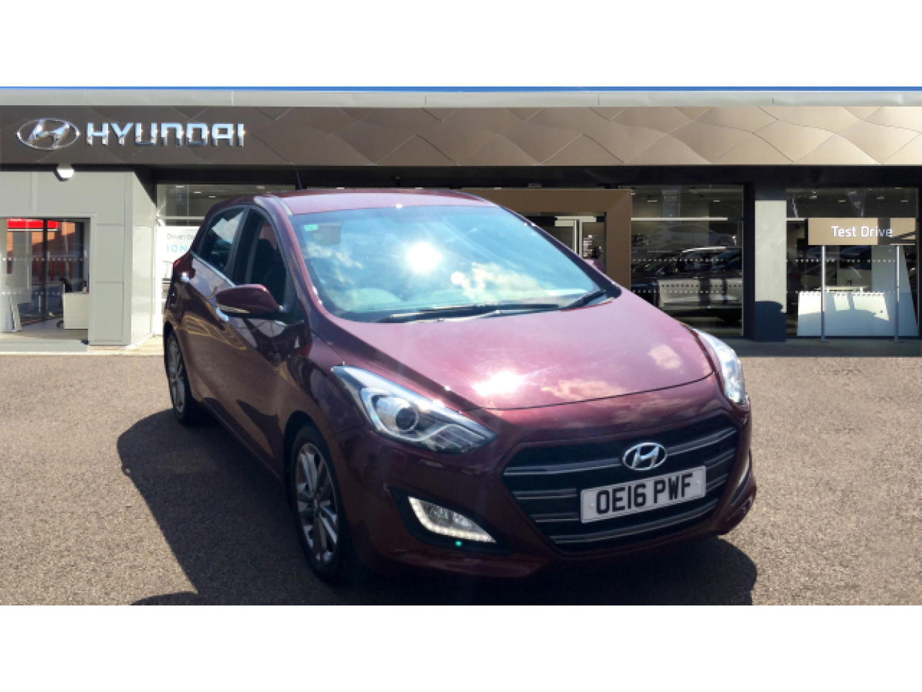 used hyundai i30 1 6 crdi 136 premium 5dr diesel hatchback for sale newcastle infiniti. Black Bedroom Furniture Sets. Home Design Ideas