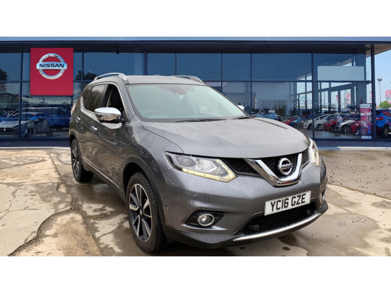 used nissan x trail 1 6 dci tekna 5dr diesel station wagon. Black Bedroom Furniture Sets. Home Design Ideas